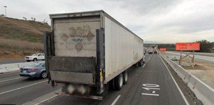 [01-24-2021] Los Ángeles, CA - Una persona muerta después de un accidente de varios vehículos en Pomona