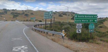 [01-29-2021] Los Ángeles, CA - Accidente De Dos Vehículos En Winnetka Hiere A Cuatro Personas