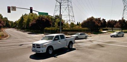[02-05-2021] Condado De Placer, CA - Oficial De La Patrulla De Caminos De California (CHP) Herido Después De Una Colisión De Motocicleta En Roseville