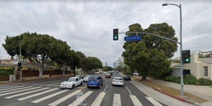 [02-17-2021] Los Ángeles, CA - Una Persona Muerta y un Adolescente Herido Después De Una Colisión Mortal De Dos Vehículos En West Olympic Boulevard