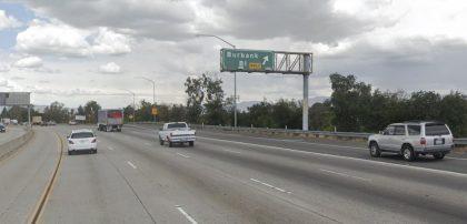 [02-23-2021] Los Ángeles, CA - Dos Personas Resultaron Heridas Después De Una Colisión De Varios Vehículos En North Hollywood
