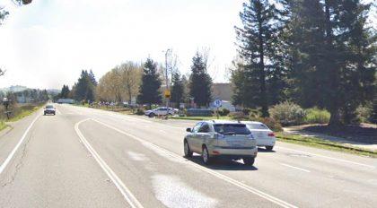 [03-05-2021] Condado De Sonoma, CA - Una Persona Resultó Herida Después De Un Accidente De Camión De Carga En Petaluma