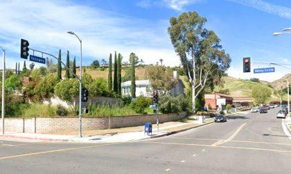 [03-19-2021] Los Ángeles, CA - Una Persona Muere Después De Un Accidente De Carreras de Carros Ilegal En Una Calle De West Hills