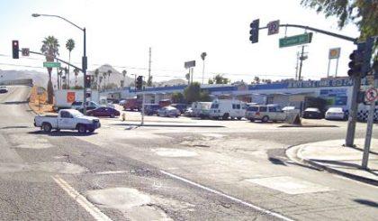[04-07-2021] Condado De Riverside, CA - Una Persona Muerta Después De Una Colisión Fatal Con Un Camión Grande En Highgrove