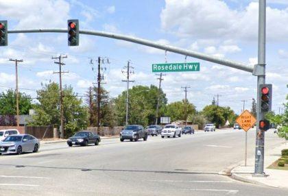 [04-27-2021] Condado De Kern, CA - Motociclista Muerto Después De Un Accidente De Varios Vehículos En Bakersfield